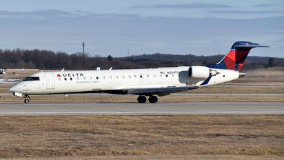N354CA - Delta Connection Bombardier CRJ-700