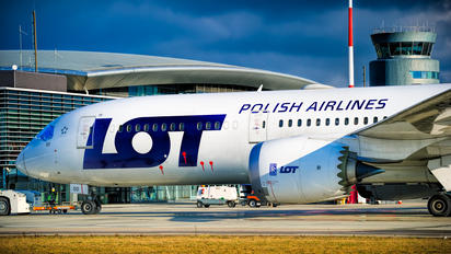 SP-LSD - LOT - Polish Airlines Boeing 787-9 Dreamliner
