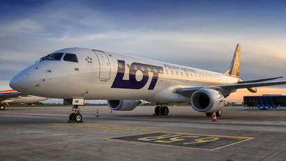 SP-LMB - LOT - Polish Airlines Embraer ERJ-190 (190-100)