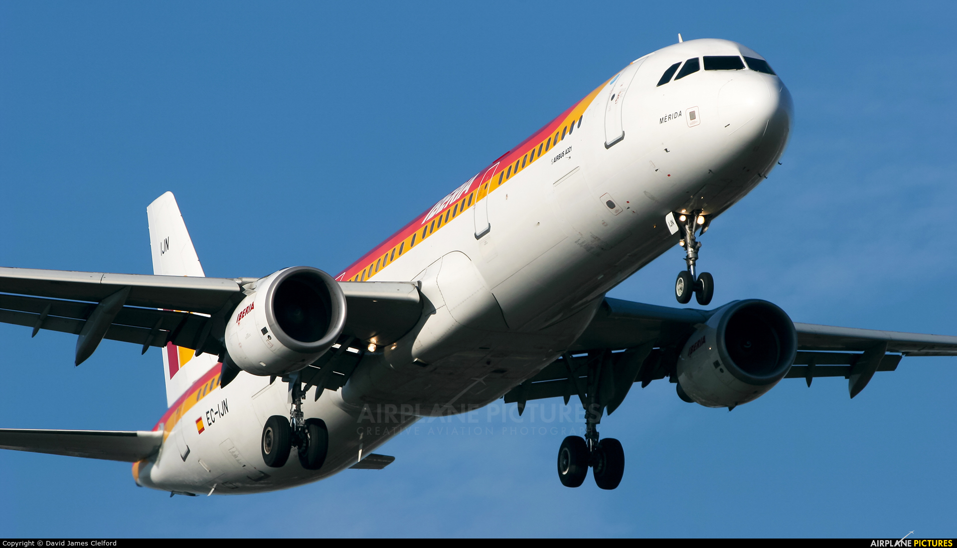Iberia EC-IJN aircraft at London - Heathrow