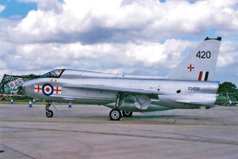 XS420 - Farnborough Air Science English Electric Lightning T.5