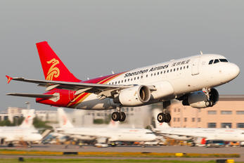 B-6153 - Shenzhen Airlines Airbus A319