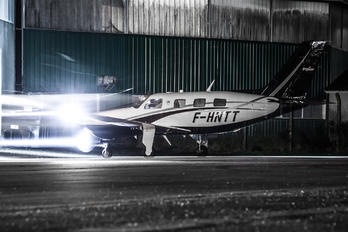 F-HNTT - Private Piper PA-46 Malibu / Mirage / Matrix