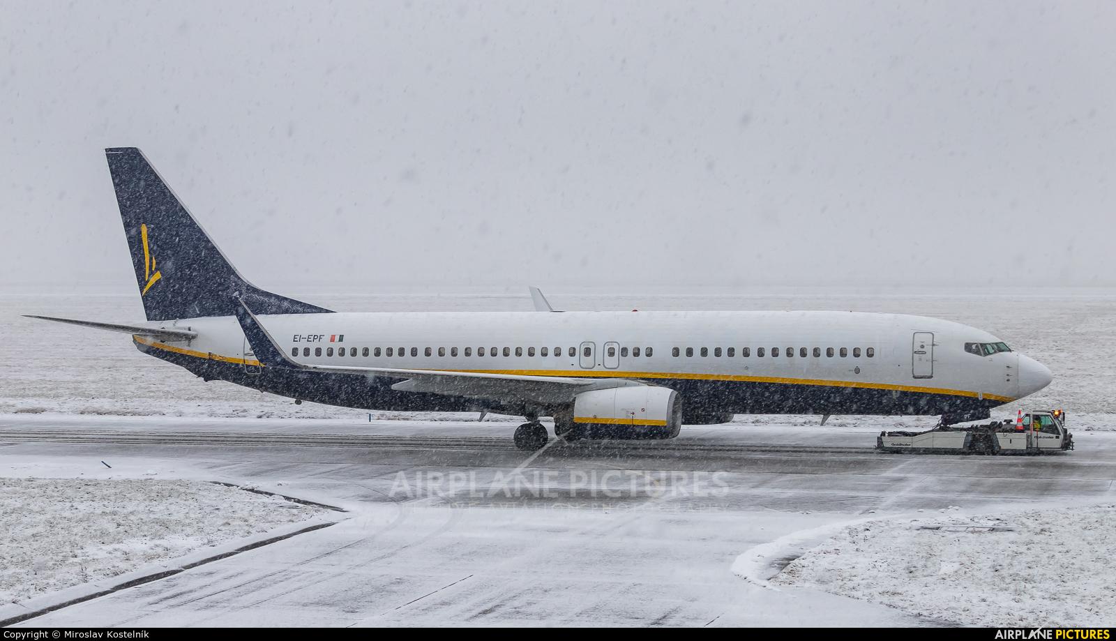 Ryanair EI-EPF aircraft at Ostrava Mošnov