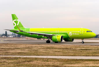 VP-BWT - S7 Airlines Airbus A320 NEO