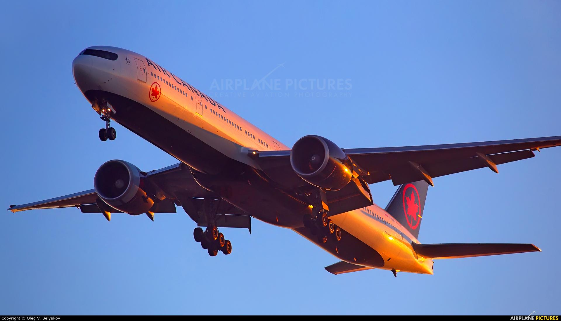 Air Canada C-FIUR aircraft at London - Heathrow