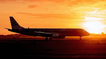 PH-EZK - KLM Cityhopper Embraer ERJ-190 (190-100)