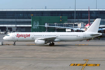 9H-LIS - SpiceJet Airbus A321