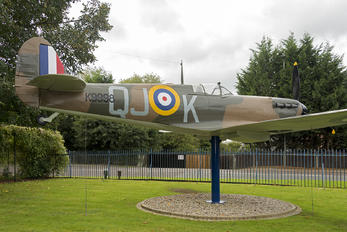 K9998 - Royal Air Force Supermarine Spitfire I (replica)
