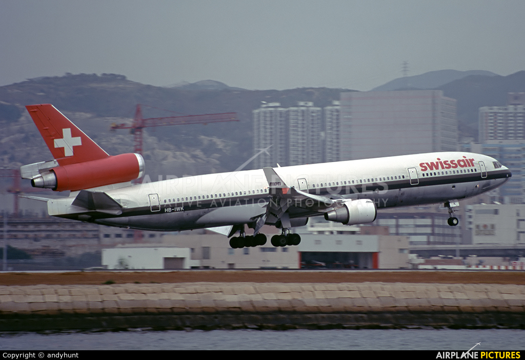 Swissair HB-IWK aircraft at HKG - Kai Tak Intl CLOSED