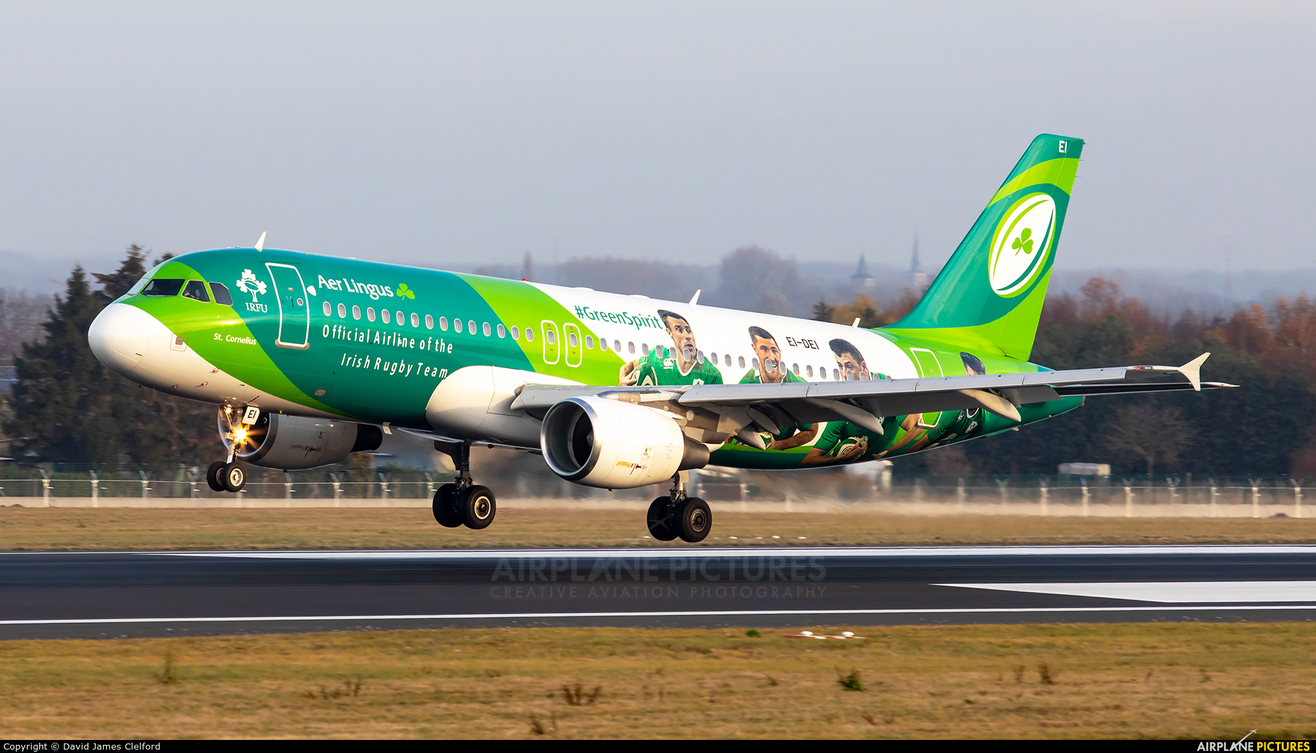 Aer Lingus EI-DEI aircraft at Brussels - Zaventem