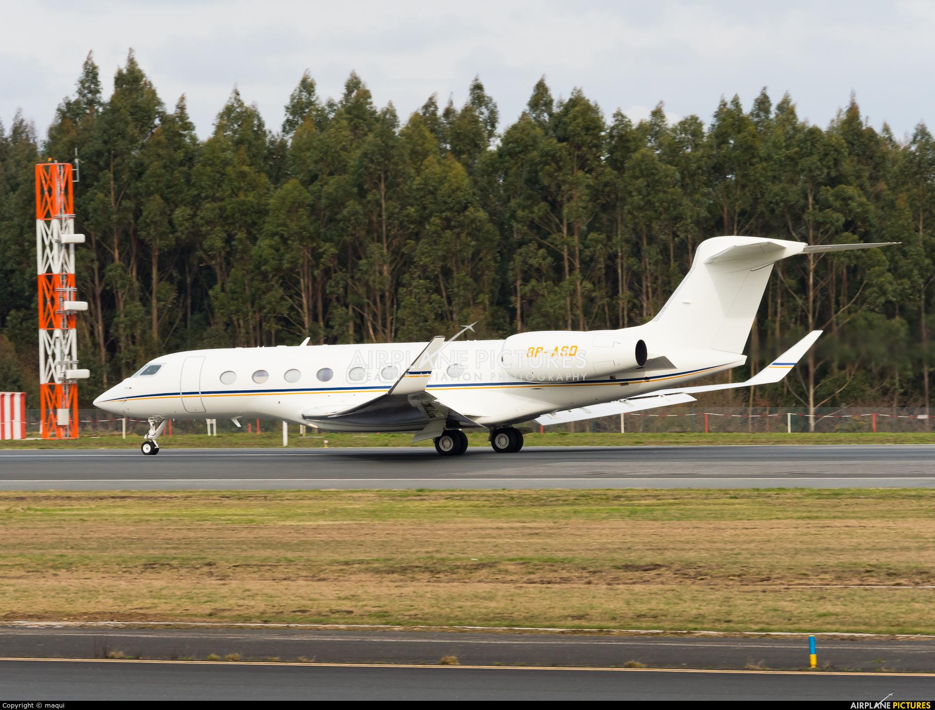 Private 8P-ASD aircraft at Santiago de Compostela