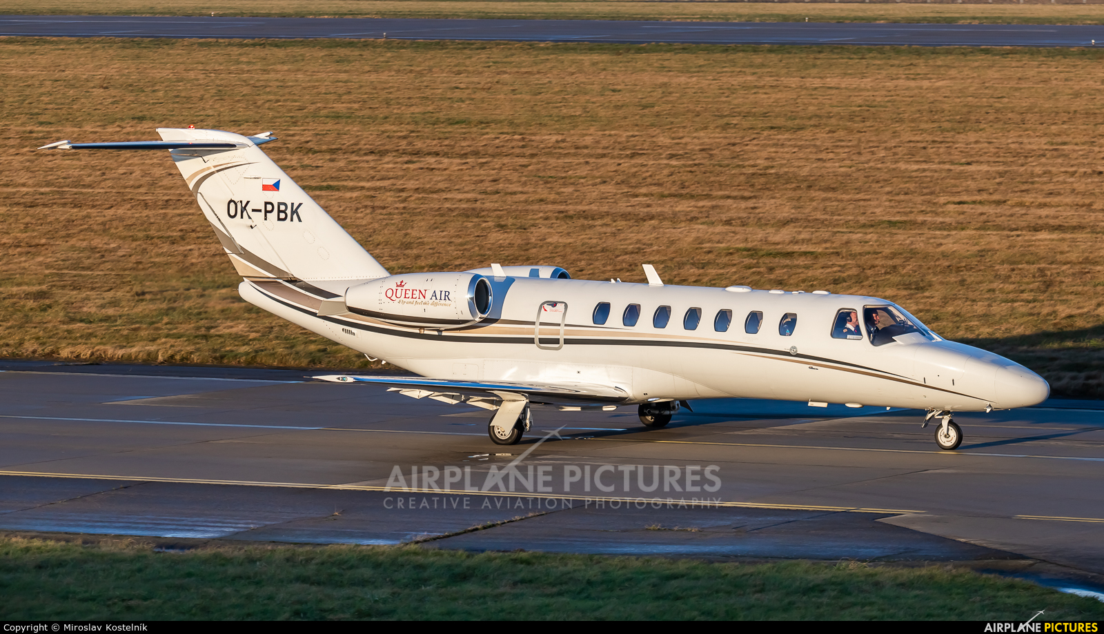 Queen Air OK-PBK aircraft at Ostrava Mošnov