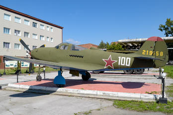 100 WHITE - Soviet Union - Air Force Bell P-39-Airacobra