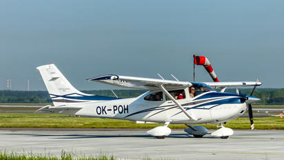 OK-POH - Private Cessna 182T Skylane