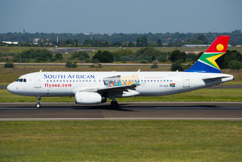 ZS-SZA - South African Airways Airbus A320