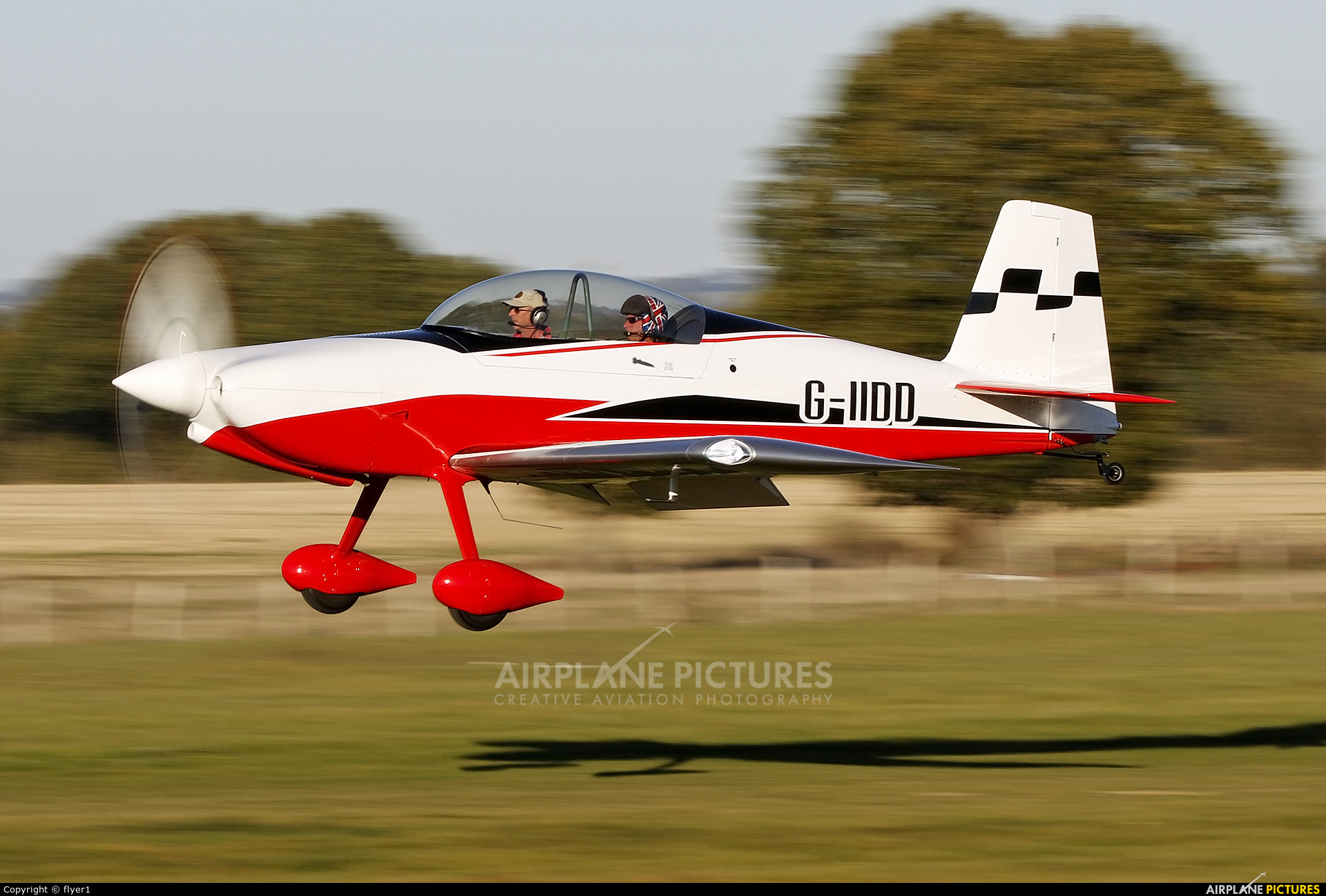 Private G-IIDD aircraft at Lashenden / Headcorn