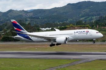 CC-BBE - LATAM Boeing 787-8 Dreamliner