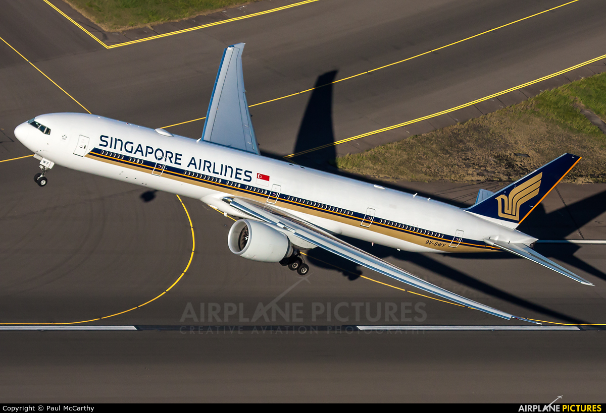 Singapore Airlines 9V-SWY aircraft at Sydney - Kingsford Smith Intl, NSW