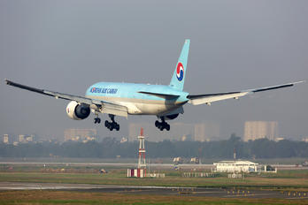 HL8046 - Korean Air Cargo Boeing 777F