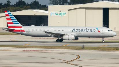 N582UW - American Airlines Airbus A321
