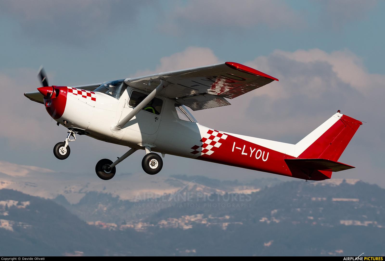 Private I-LYOU aircraft at Verona - Boscomantico