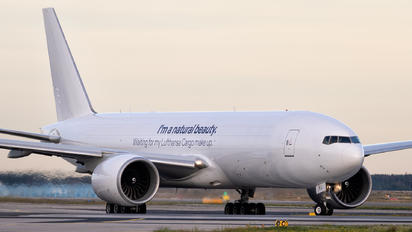 D-ALFJ - Lufthansa Cargo Boeing 777F