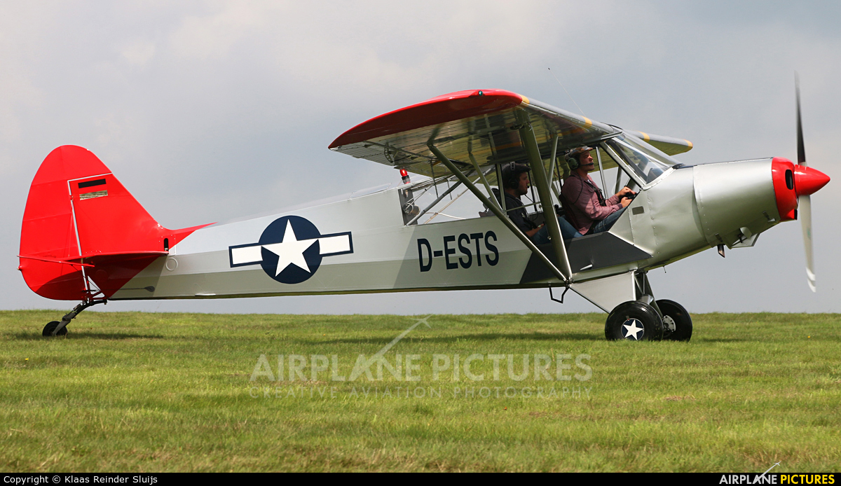 D-ESTS aircraft at Diest Schaffen