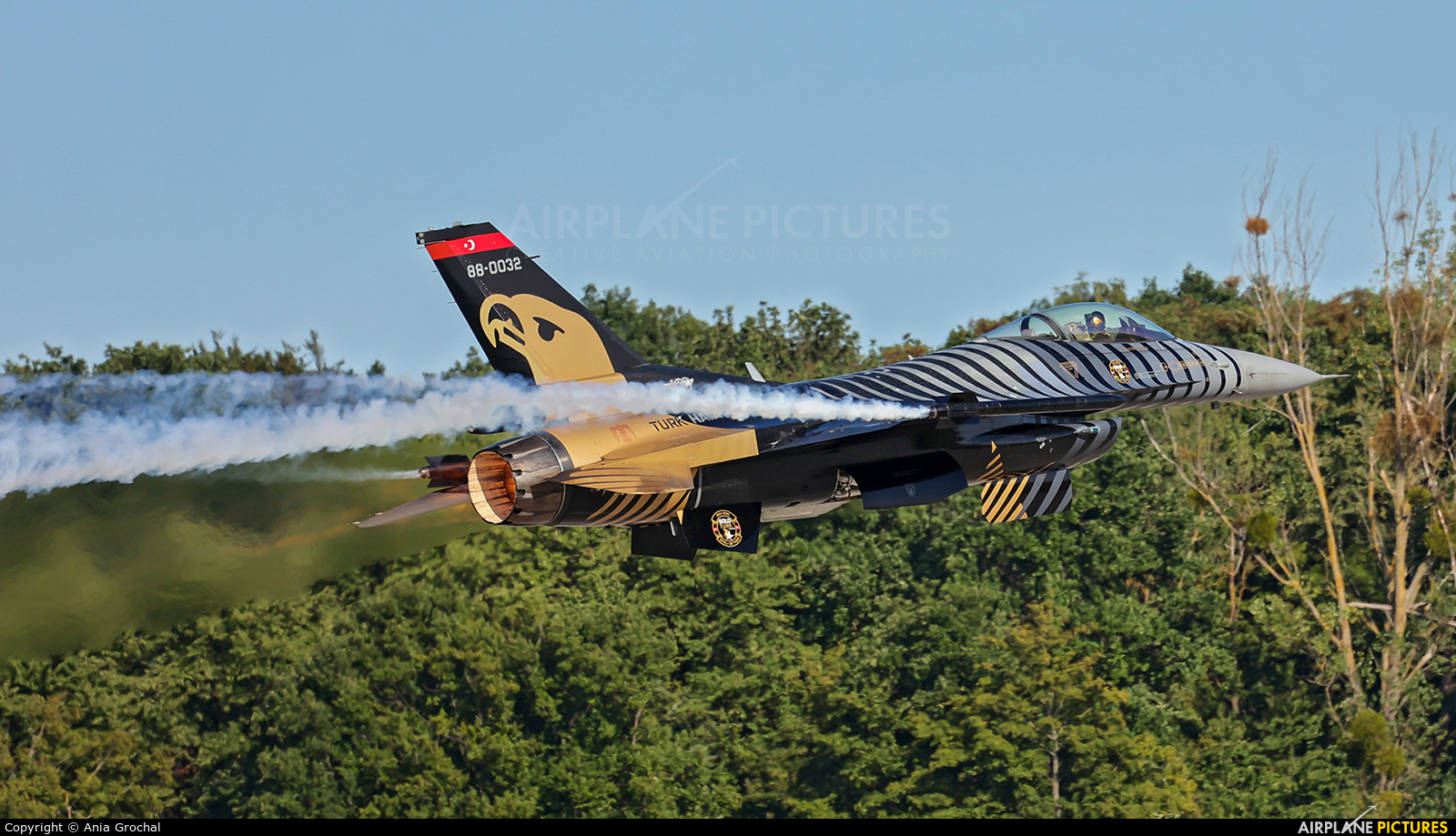 Turkey - Air Force 88-0032 aircraft at Gdynia- Babie Doły (Oksywie)