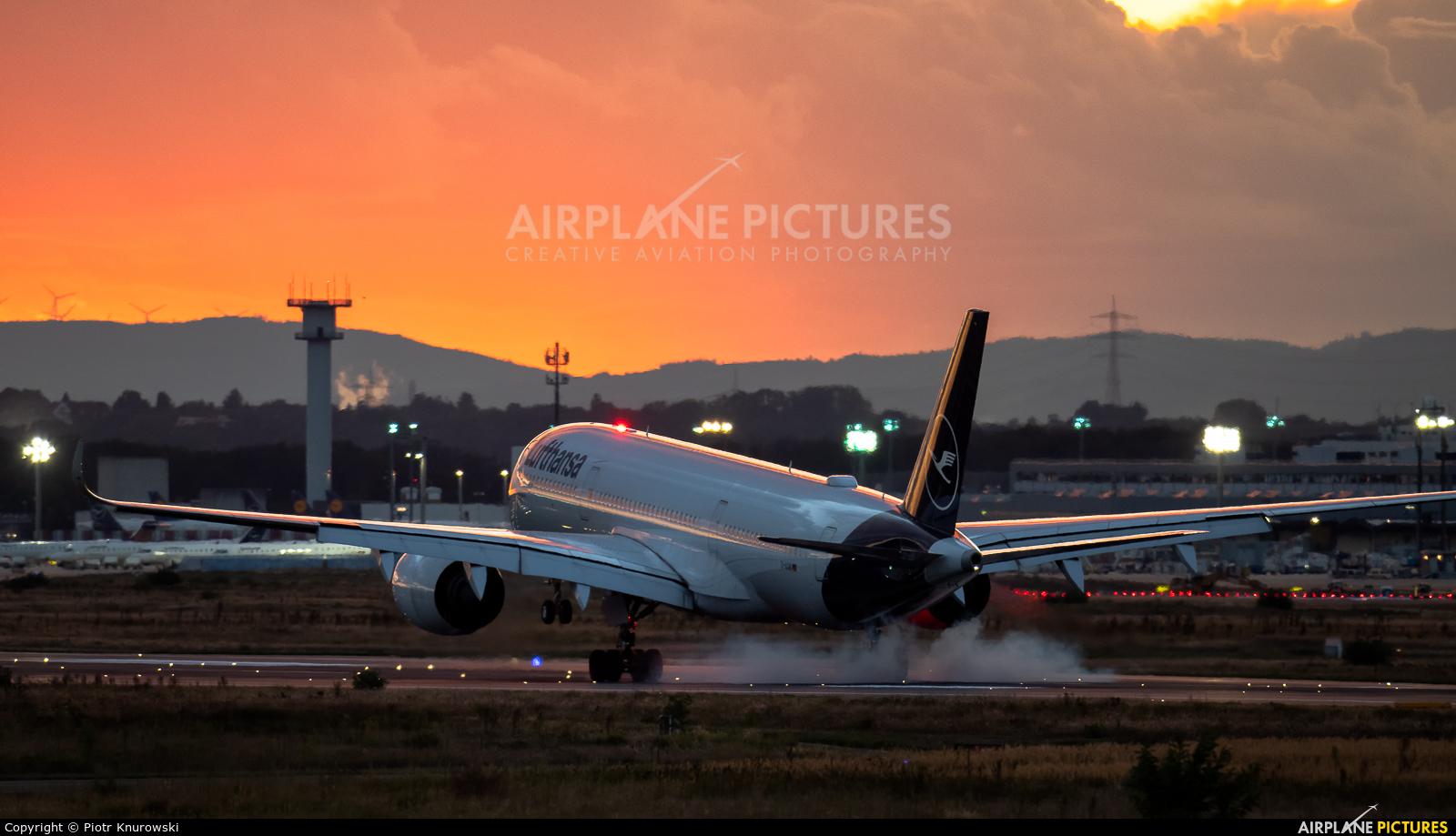Lufthansa D-AIXM aircraft at Frankfurt