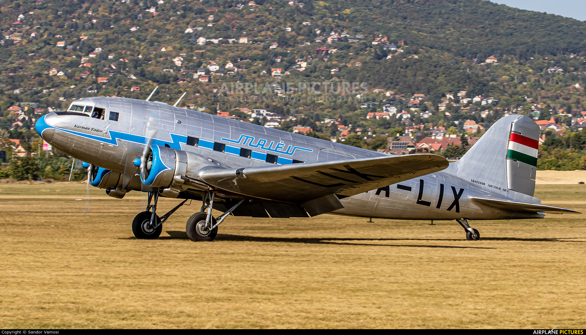 Goldtimer Foundation HA-LIX aircraft at Budaors