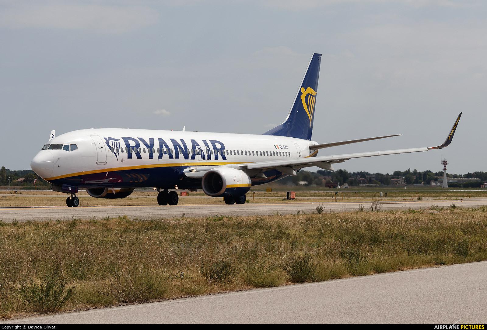 Ryanair EI-EKC aircraft at Bologna - Borgo Panigale