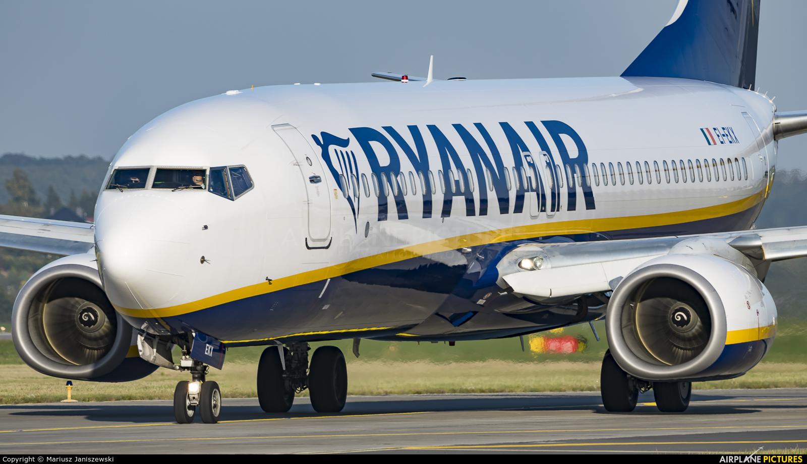 Ryanair EI-EKX aircraft at Kraków - John Paul II Intl