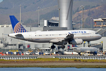 N413UA - United Airlines Airbus A320