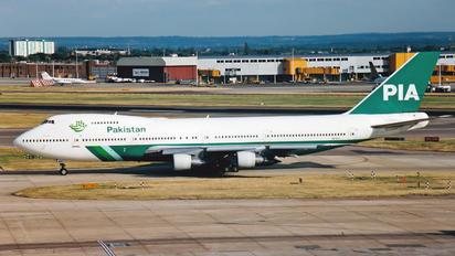 AP-AYV - PIA - Pakistan International Airlines Boeing 747-200