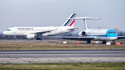 F-GRHS - Air France - Airport Overview - Runway, Taxiway