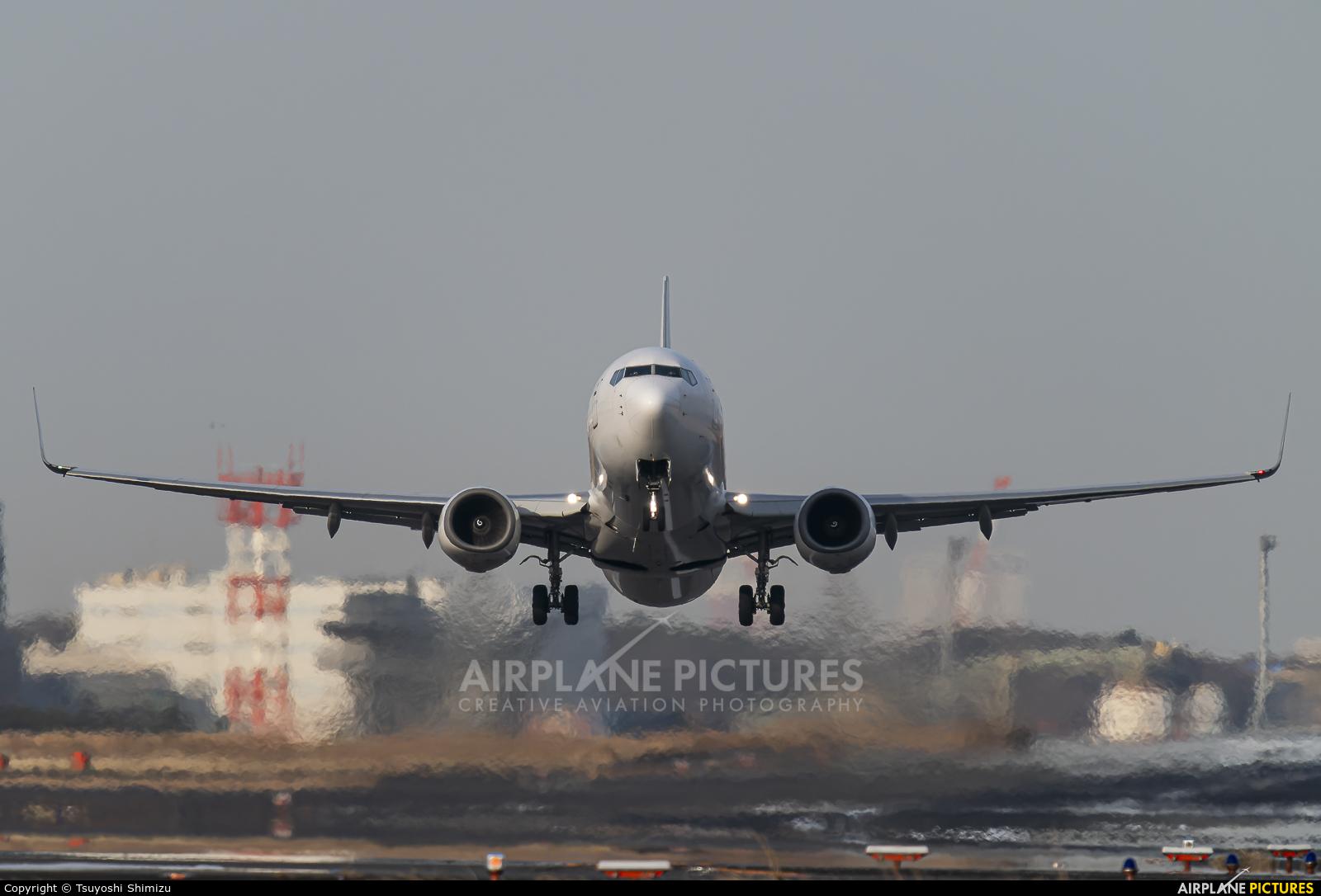 JAL - Japan Airlines JA332J aircraft at Tokyo - Haneda Intl