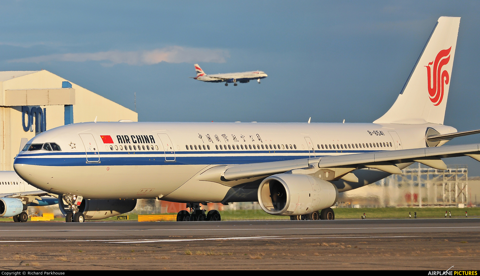 Air China B-6541 aircraft at London - Heathrow