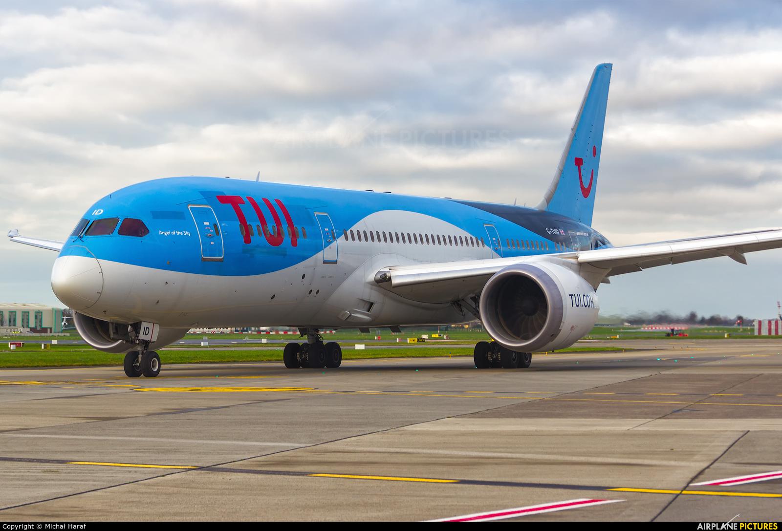 TUI Airways G-TUID aircraft at Dublin