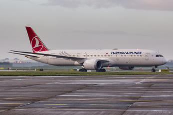 TC-LLD - Turkish Airlines Boeing 787-9 Dreamliner