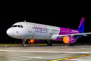 HA-LXV - Wizz Air Airbus A321