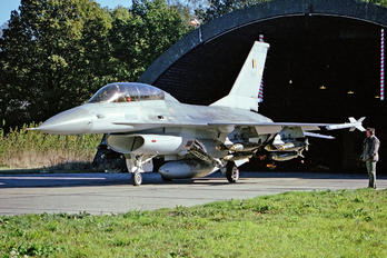 FB-01 - Belgium - Air Force General Dynamics F-16B Fighting Falcon