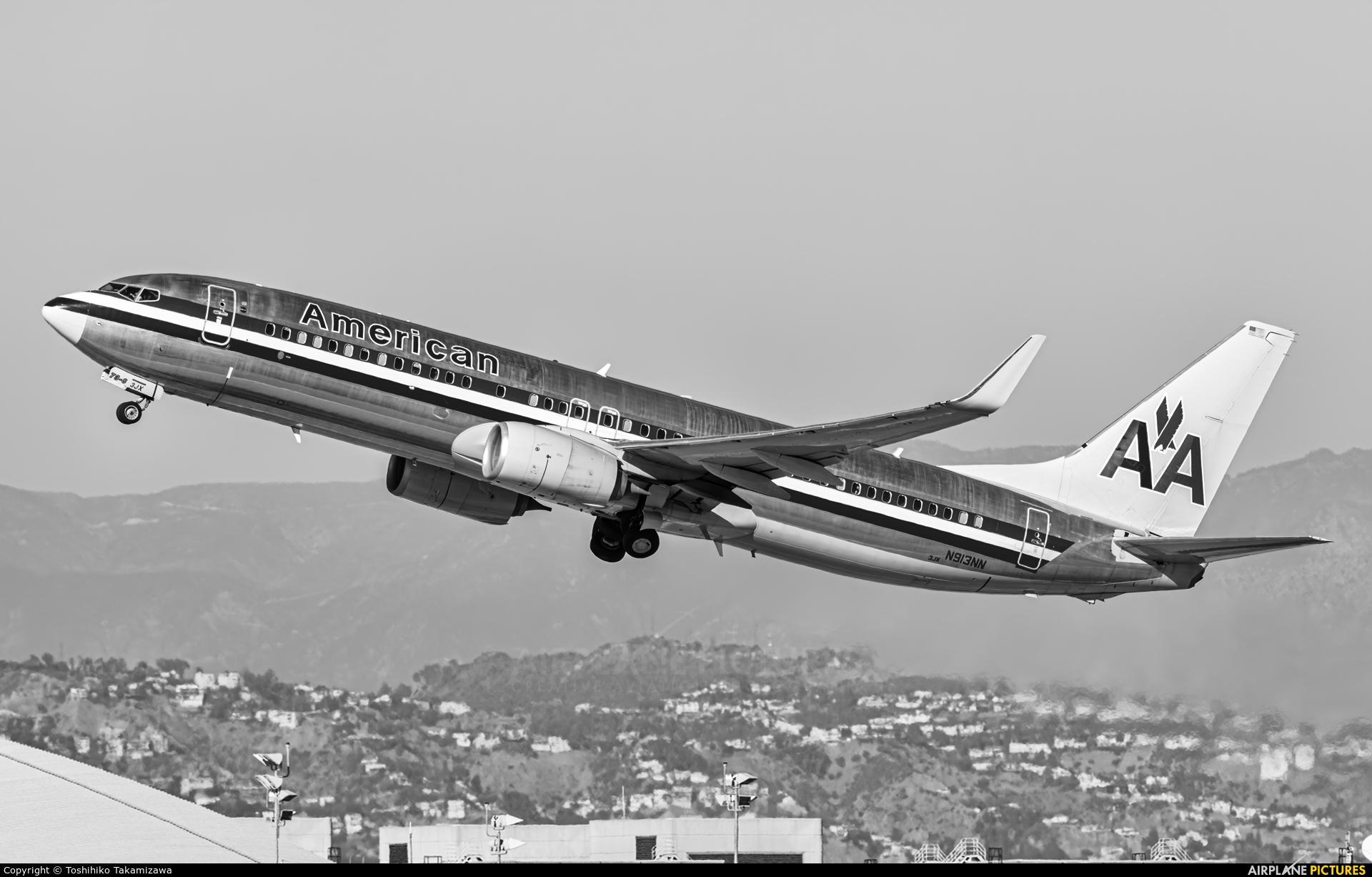 American Airlines N913NN aircraft at Los Angeles Intl