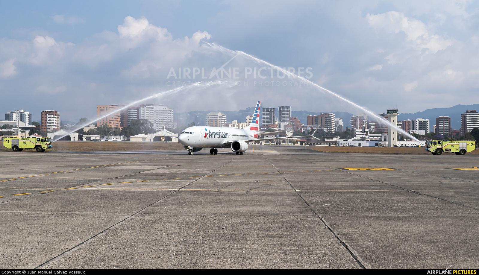 American Airlines N303RG aircraft at Guatemala - La Aurora