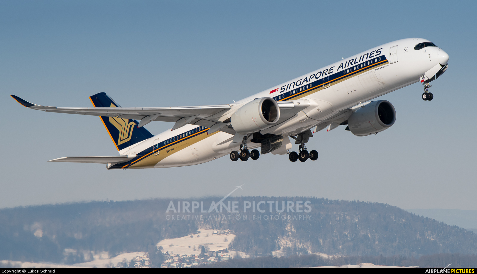 Singapore Airlines 9V-SMQ aircraft at Zurich