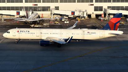 N366DX - Delta Air Lines Airbus A321