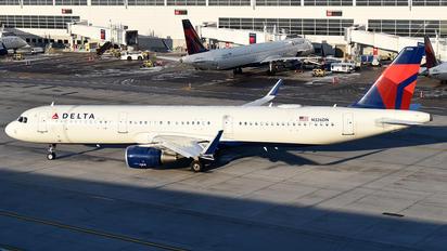 N326DN - Delta Air Lines Airbus A321