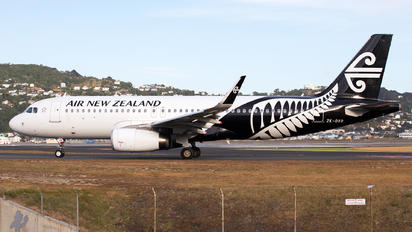 ZK-OXG - Air New Zealand Airbus A320