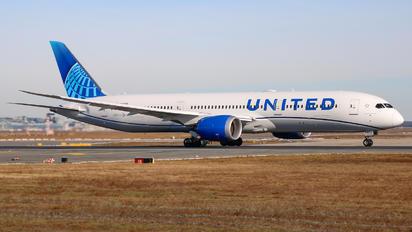 N24980 - United Airlines Boeing 787-9 Dreamliner