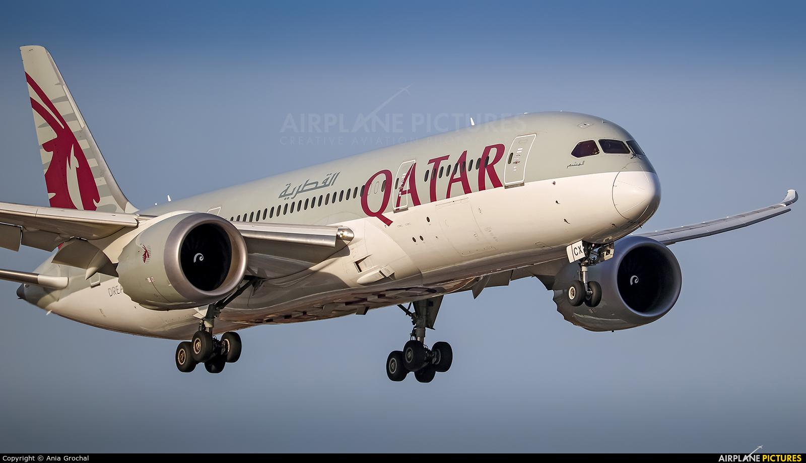 Qatar Airways A7-BCX aircraft at Warsaw - Frederic Chopin